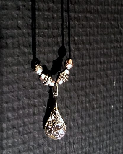 Necklace droplet
